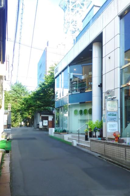 会津若松市の興徳寺前にあるマイアースの外観