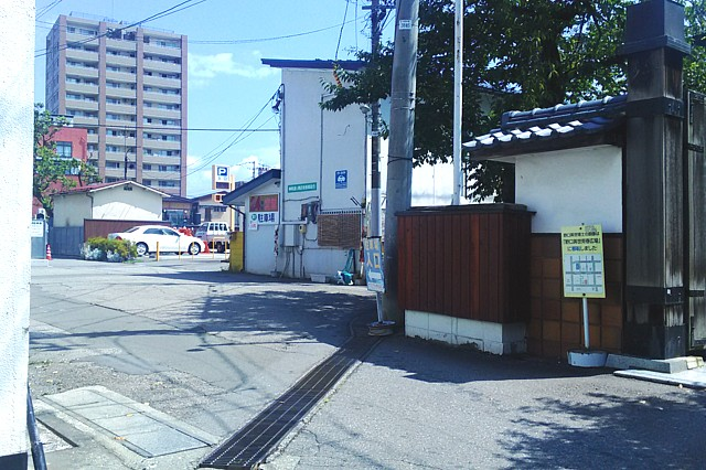 会津若松市の神明第一駐車場の入り口