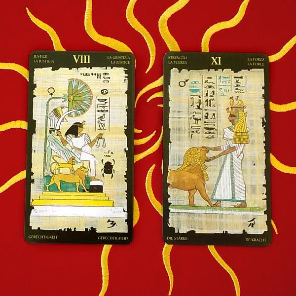 エジプシャン・タロットカード 8番=正義、11番=力のカード