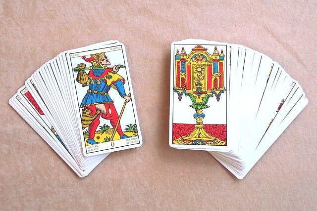 タロットカードの構成