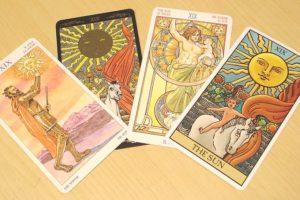 タロットカード 太陽 4種類