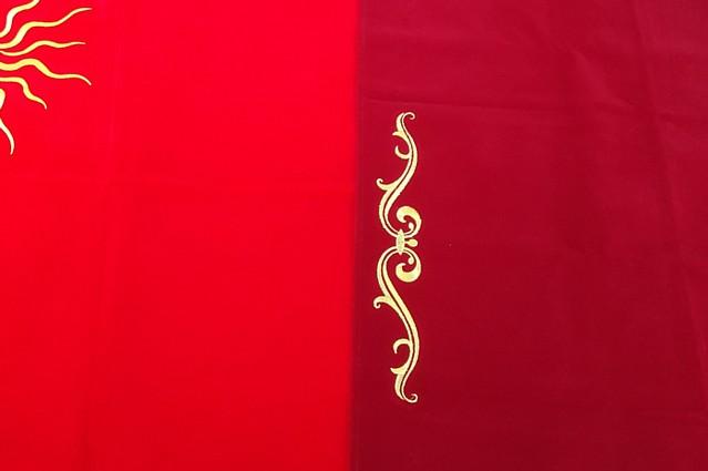 赤いタロットクロス「サン」と「ルノルマン」の色の比較
