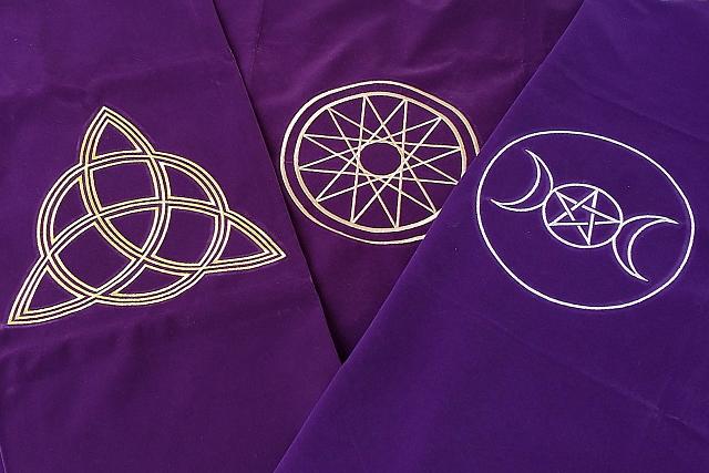 紫のタロットクロスの色の比較