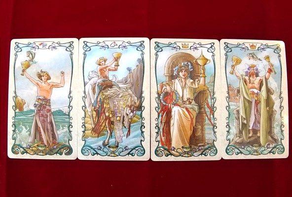 タロットミュシャの小アルカナ カップの絵札